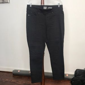 Levi Pull On Jeans